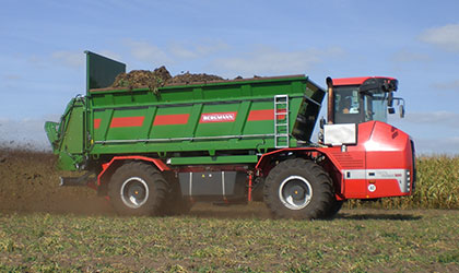 Self-propelled machinery - Holmer